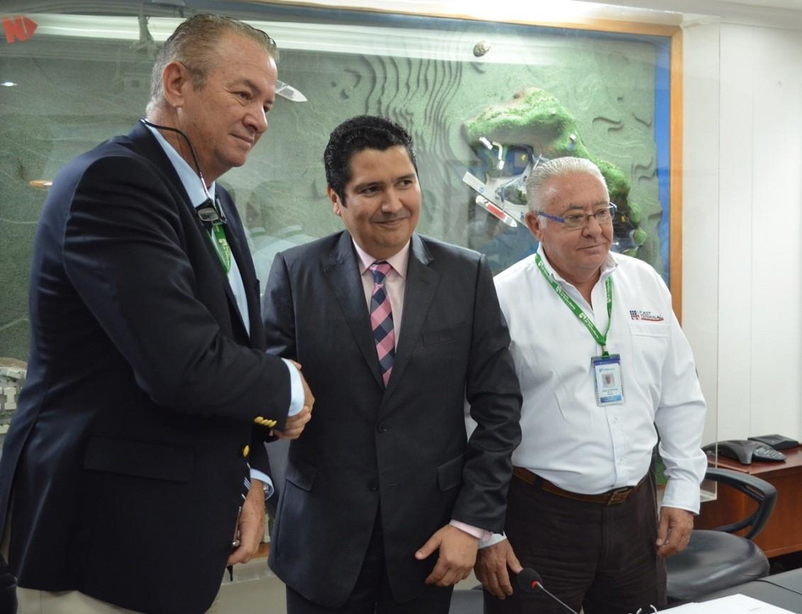 Mauricio Suárez, gerente general del Puerto de Santa Marta y don José María Freixa Solá, presidente de Fast Terminal International